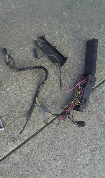 89 Ford F150 Knock Sensor in addition 95 Dodge Ram Radio Wiring Diagram as well 89 Bronco Ii Engine Wiring Diagram likewise T16925786 Location fuel pump relay 89 f150 351 besides Paccar Mx 11 Fuel Diagram. on 89 bronco ii fuel filter