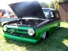 Flat B2 – 1984 Ford Bronco II Lowrider