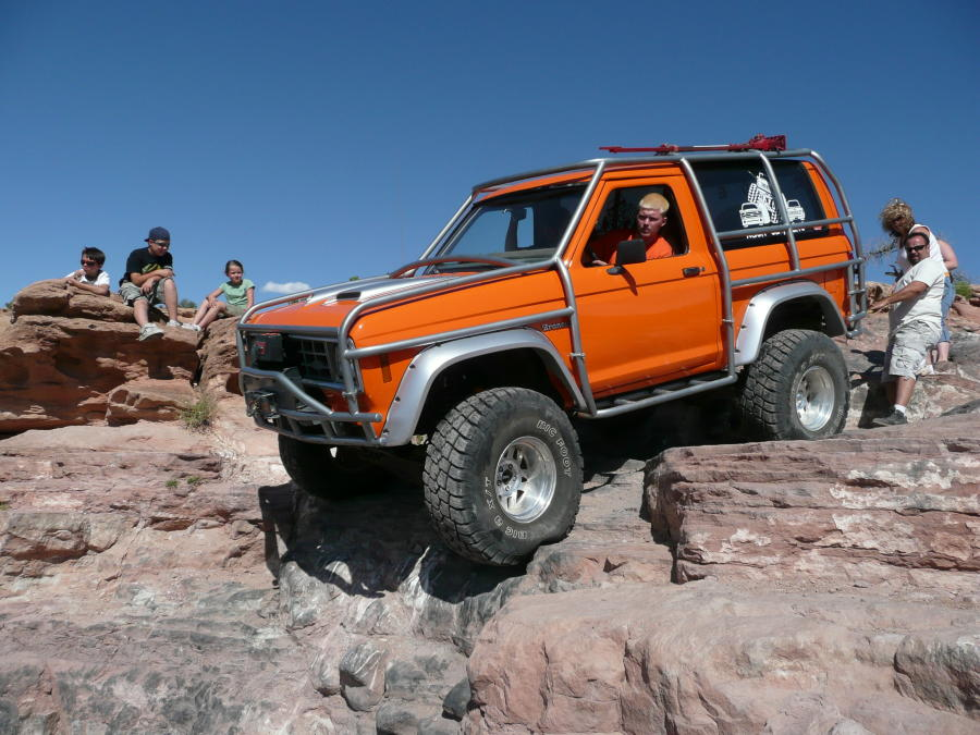orange crate  ford bronco ii  bronco ii corral