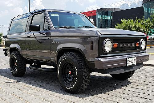 David Vargas 1987 Ford Bronco II