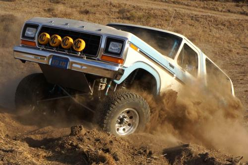 1979 Ford Bronco With A Dana 44 TTB